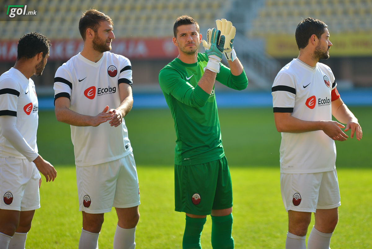 Фудбалерите на Шкендија на натпреварот