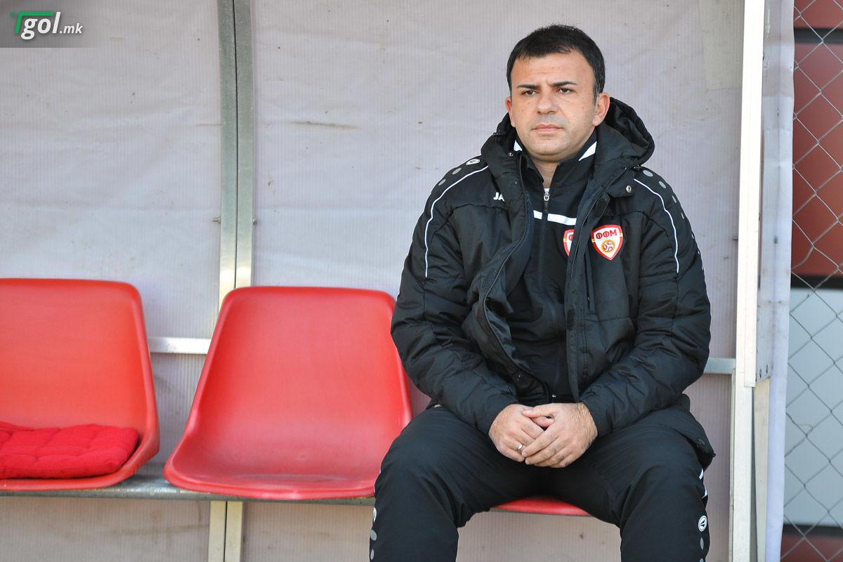 Селекторот Игор Ангеловски на мечот на репрезентацијата