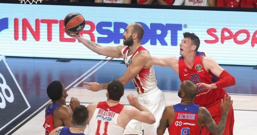 ЛЕГЕНДАТА СПАНУЛИС ја симна круната на ЦСКА   Олимпијакос е првиот финалист