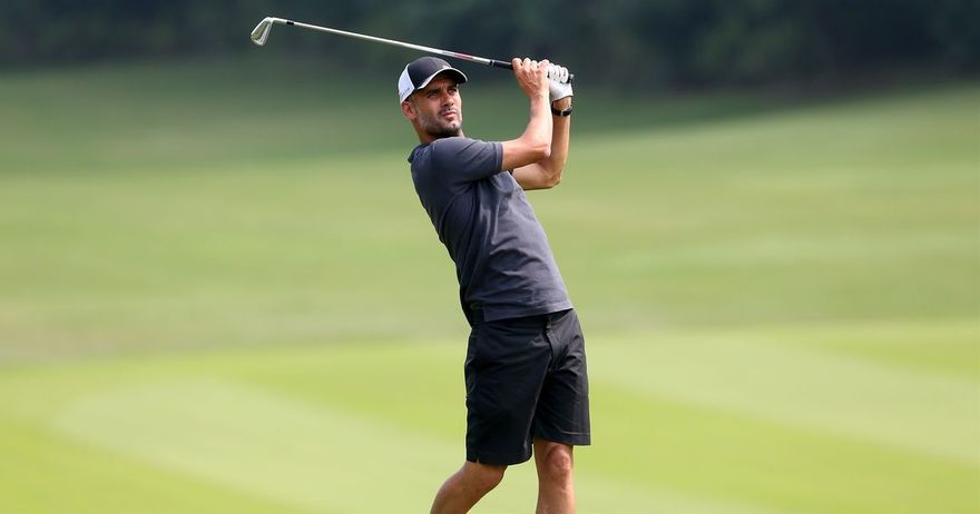 gvardiola-go-vladee-i-golfot-majstorski-go-smesti-topcheto-vo-dupkata
