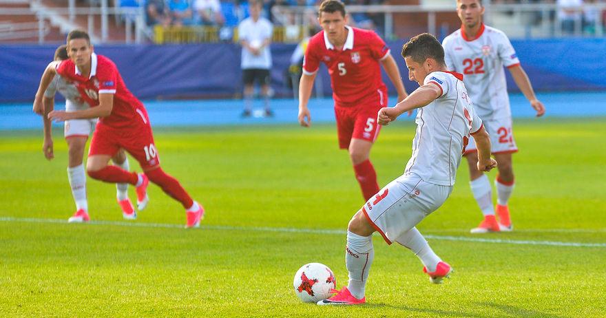 Македонец во идеалниот тим  Енис Барди во друштво на Саул  Асенсио  Брума