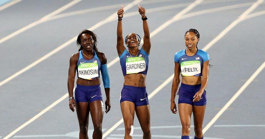 Американките ја вратија доминацијата и ја победија Јамајка во женската штафетна трка