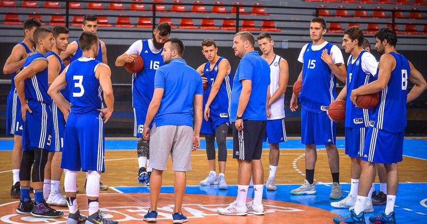 МЗТ Скопје наместо со Крајова  ќе тестира со грчки Арис