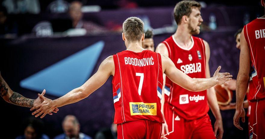 Богдановиќ ги прескокна  азурите  и ја одведе Србија на мегдан на Русија
