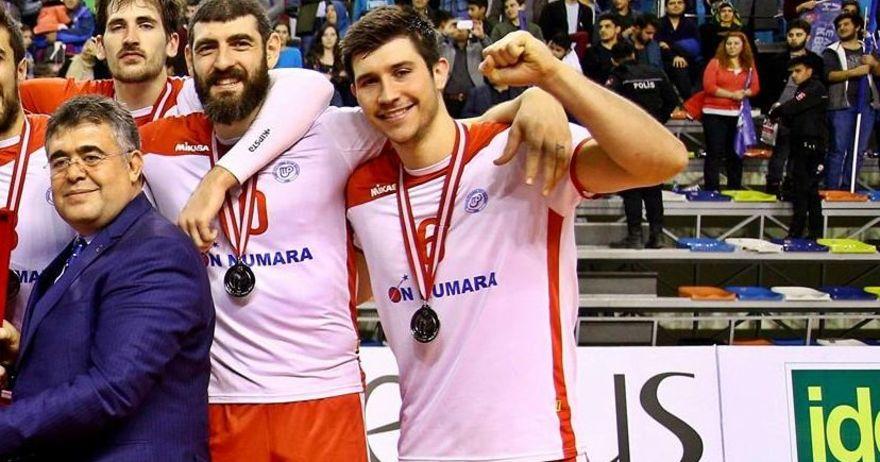 Ѓорѓиев и Малије остварија историја   одбојкарско сребро во Купот на Турција