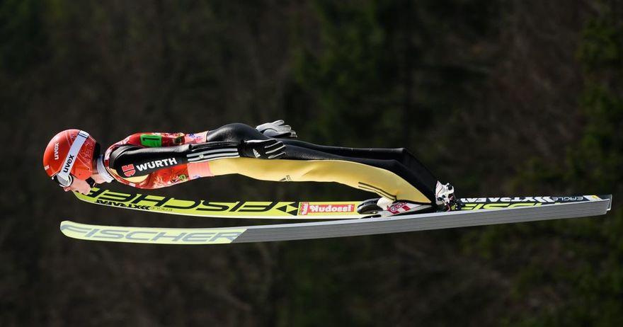 Фрајтаг победи на скокалницата во Енгелберг и се зацврсти на врвот од Светскиот Куп