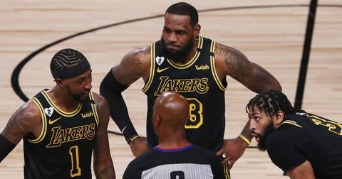НБА судии