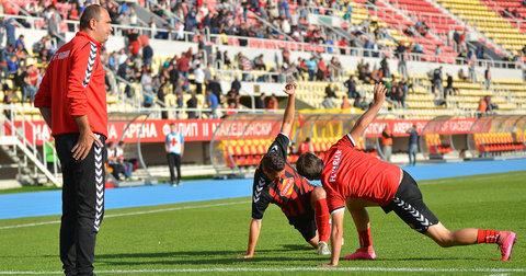 Фудбалерот на Вардар, Благоја Љамчевски се подготвува за влегување во игра