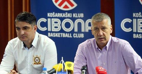 Дамир Мулаомеровиќ на промоцијата нво Цибона