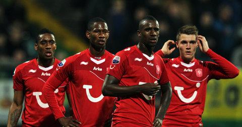 Фудбалерите на Твенте на натпревар од Ередивизие