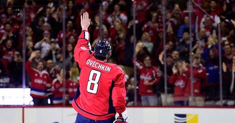 Овечкин ги слави 500 гол во НХЛ