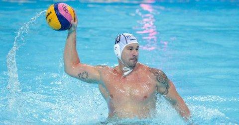 Петер Бирош во базенот