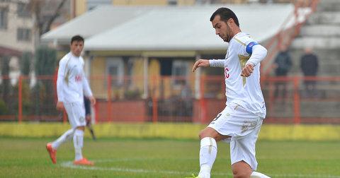Сашко Пандев во акција во дресот на Хоризонт Турново