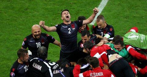 Албанија гол