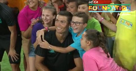 Кристијано Роналдо и деца