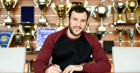 Дејан Манасков нов договор