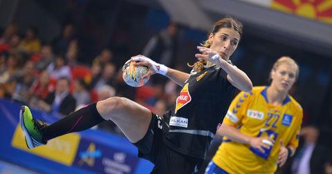 Андреа Пенезиќ во дресот на ЖРК Вардар