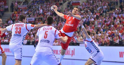 Полските ракометари во големо надигрување против Србија